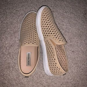 steve madden nude perforated slip on sneakers